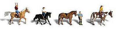 8 figures Horseback riders with Horses by Woodland Scenics N Scale #A2159