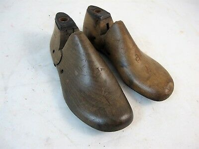 Pair Of Childs Shoe Lasts Marked 7 P C1930'S