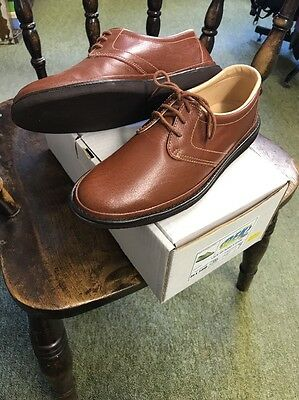 Men's Bowls Shoes (size 7)