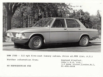 Bmw 2500 Period Photograph.