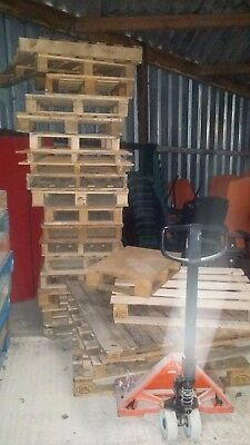 35 used wooden pallets