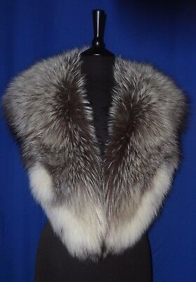Magnificent Real Fur Natural Full Silver Platina Fox Collar Cape-Mint Condition.