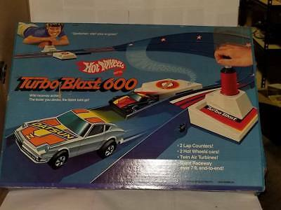 Hot Wheels Turbo Blast 600 9876 Racing set with Rare P-911 Black Swirl Tampo