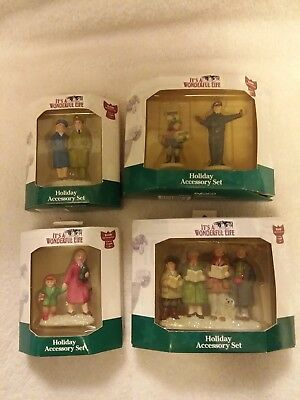 It's a Wonderful Life Holiday Accessory Set by ENESCO ( people )