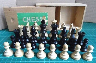 Vintage/Retro 'Boxwood Staunton' Pattern Chess Set + Original Wooden Storage Box