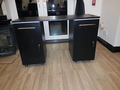 Lrge Black Nail Manicure Desk With Double Lockable Cabinet (Excellent Condition)