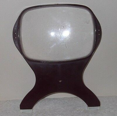 A Vintage/Retro Hand Held Magnifying Glass