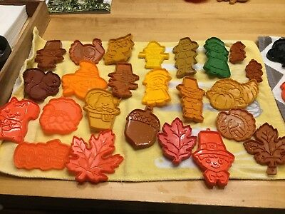 Lot of 25 Hallmark Vintage Cookie Cutters Thanksgiving or Fall