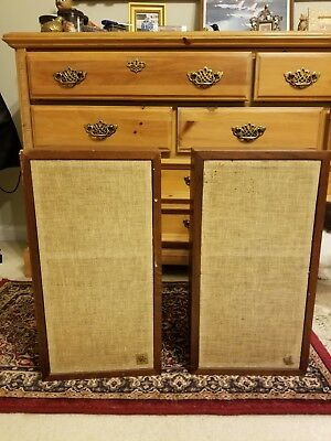Pair of Acoustic Research AR4X Speakers, still Sound Great