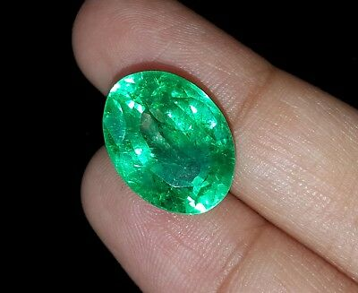 Oval Shape 9.62 Ct Marvelous Natural Certificate Colombian Emerald