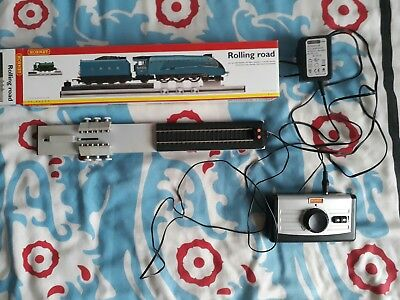 Hornby Rolling Road R 8211 With Adaptor And Controller