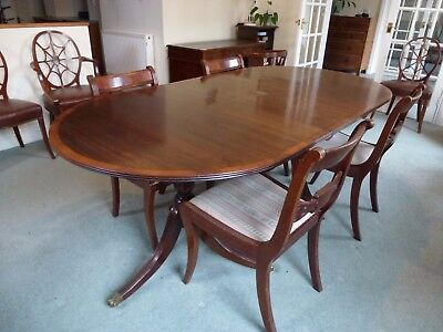 Regency style mahogany extending Dining Table. Plus 4 Chairs.