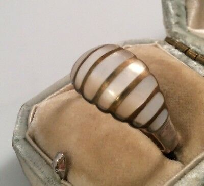 Vintage Jewellery Unusual And Pretty Mother Of Pearl Ring Size 'R'