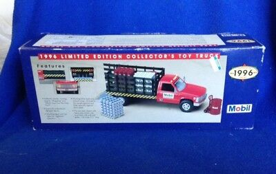 1996 MOBIL Limited Edition Collectors Truck w/ Freight & Pallets NEW MIB Cool