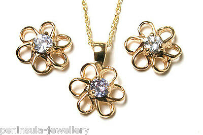 9ct Gold Lilac CZ Daisy Pendant and Earring Set Made in UK Gift Boxed