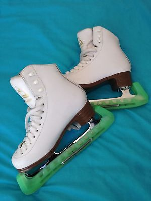 Girls Mystique Ice Skates size 2C