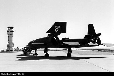 SR 71 Blackbird aircraft parts