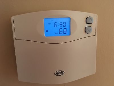 Hunter 44155 Programmable Set And Save Indiglo Lcd Display Thermostat