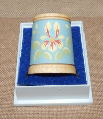 Beautiful collectable wooden thimble - boxed