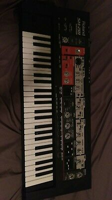 Roland SH-201 Keyboard Synthesizer