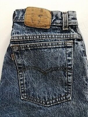 Womens Vintage Levis 501 high waisted jeans in the electric wash
