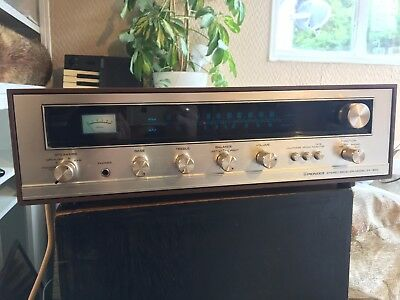 PIONEER SX-300 vintage stereo receiver integrated amplifier 1970's FM AM radio