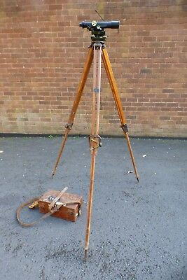 A GOOD HILGER WATTS NO 17774 SURVEYORS LEVEL COMPLETE WITH WOODEN TRIPOD c1950