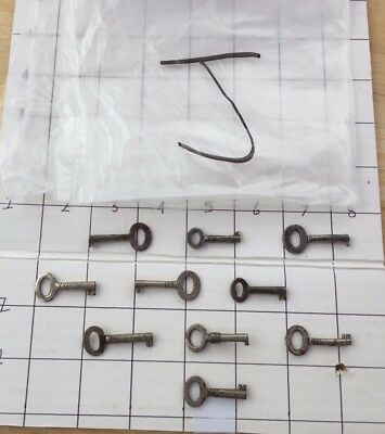 Vintage/Antique LOT of 10 metal small caddy or chest keys lot J