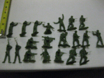 Vintage Marx plastic American Soldiers lot of 20 several poses