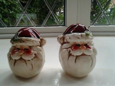Beautiful...SANTA CLAUS....CRUET SET..,COMPLETE with STOPPERS,..
