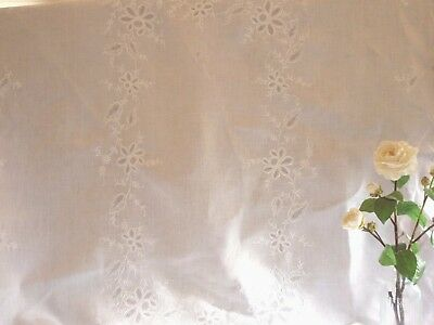 """Lovely Vintage Linen Embroidered Tablecloth 52""""X68""""GC."""
