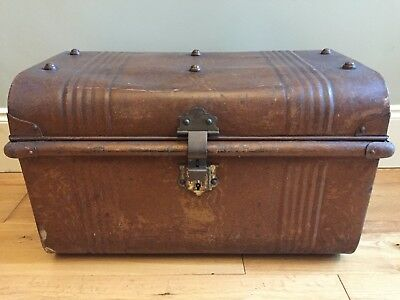 Vintage METAL STEAMER TRUNK Tin Travel Chest TAN Storage Box Lockable 56x34cm