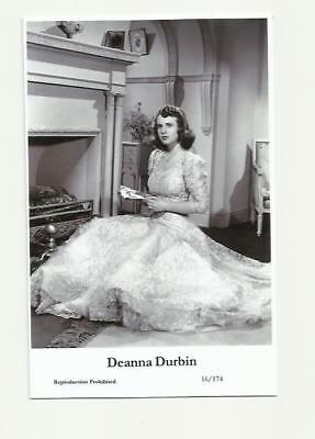N189) Deanna Durbin Swiftsure (16/174) Photo Postcard Film Star Pin Up Glamour