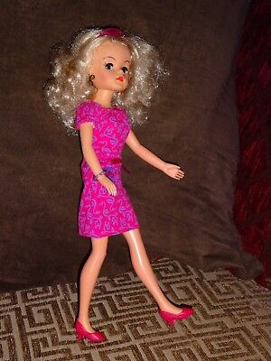 Sindy doll (blonde)