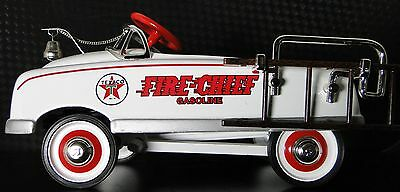 A Fire Truck Pedal Car 1940s Ford Fire Engine T Vintage Midget Metal Model