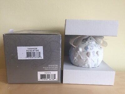 Lladro 2004 Christmas ball 16736  Retired boxed