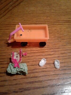 Liddle Kiddles by Mattel  Rolly Twiddle outfit and wagon