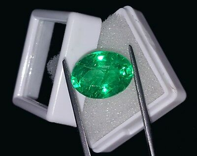 Oval Shape 9.82 Ct Marvelous Natural Certificate Colombian Emerald