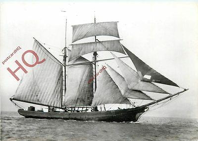 Picture Postcard: SCHOONER, THE DISPATCH