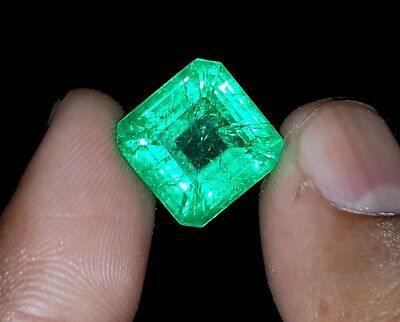 Excellent Square  Shape 9.97 Ct Natural Certified Colombian Emerald