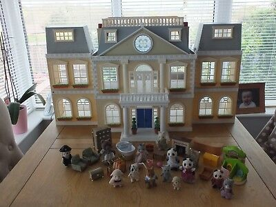 Sylvanian Families Calico Critters Grand Regency Hotel And Furniture