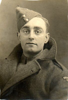 BRITISH SOLDIER cWW2 MILITARY PHOTOGRAPH