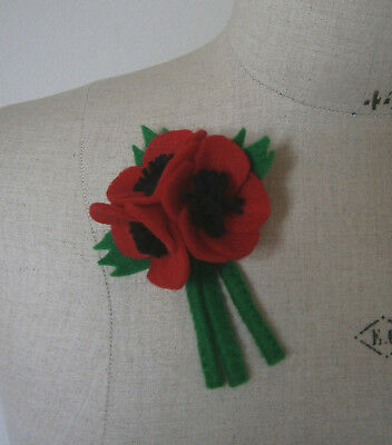 VINTAGE 1940s FELT RED POPPY FLOWER CORSAGE POSY BROOCH GOODWOOD WW2 LANDGIRL
