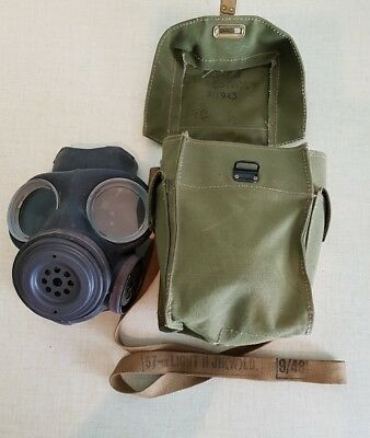 Original WW2 British Army LIGHT WEIGHT GAS MASK 1944 dated mask and bag 1943