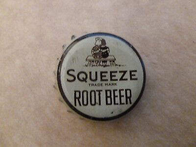 One vintage used Squeeze Root Beer cork-lined soda bottle cap.