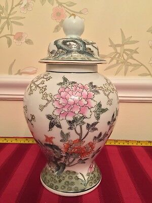 Chinese antique famille rose porcelain ginger Jar with lid handmade flowers