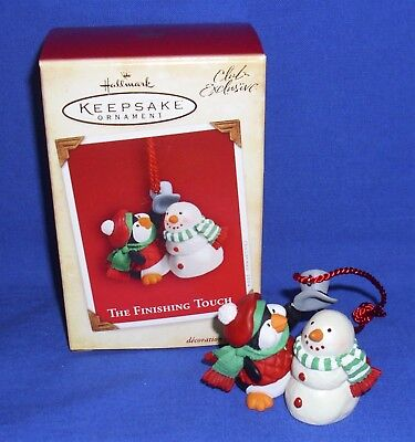Hallmark Club Exclusive Ornament The Finishing Touch 2002 Penguin Snowman NIB