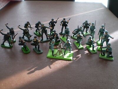 britains german, british and american plastic toy soldiers 58 pieces