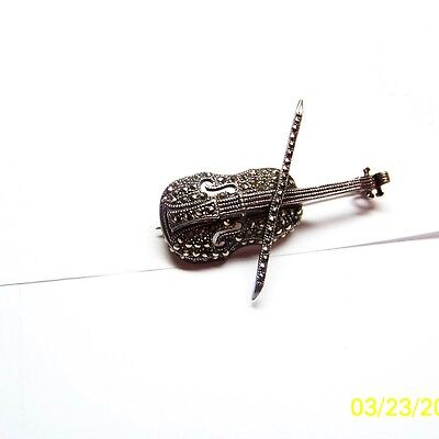 beautiful sterling silver 9.25 brooche  with marcasite round stones 9.20 grams