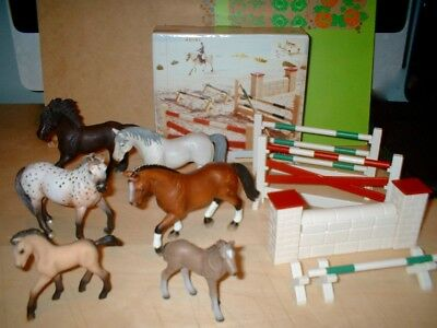 Schleich - selection of Horses and show jumping set -superb detail -VGC